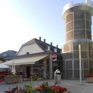 Café Turm-Außenansicht