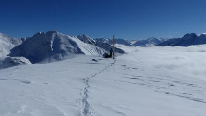 Ein grandioses Panorama auf die hinteren Ötztaler Alpen liegt uns zu Füßen.