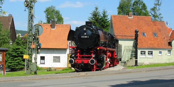 Denkmal-Lokomotive 044 in Altenbeken
