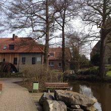 Ortsmitte Gahlen mit Mühle und Kirche
