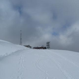 Der Gipfel des Krahberg, der auch gleichzeitig die Bergststion des Liftes der Venetbahn ist.