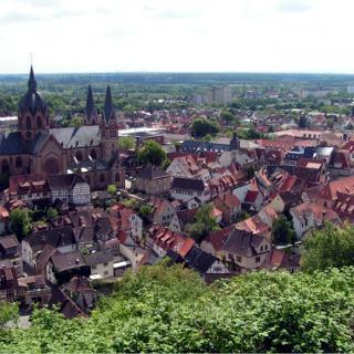 Blick auf Heppenheim unterhalb der Starkenburg