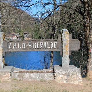 Lago Smeralda bei Fondo