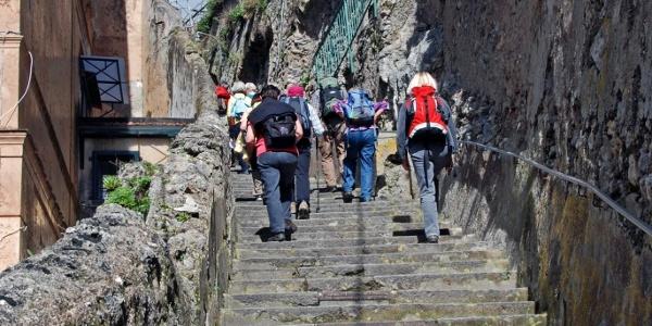Steile Stufen in Amalfi