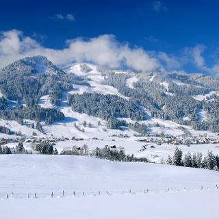 Blick von Oberdorf Richtung Bolsterlang