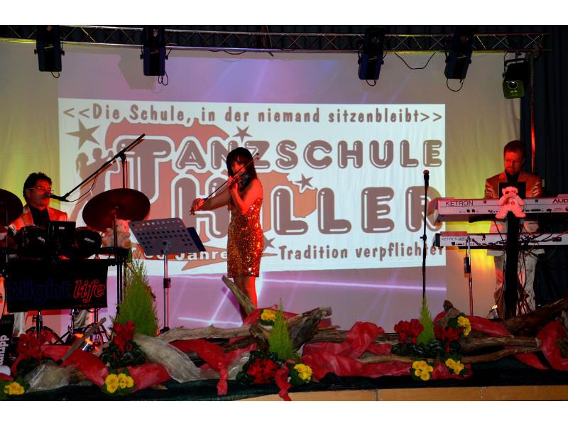 - @ Autor: Silke Rüdinger  - © Quelle: Tanzschule Hiller