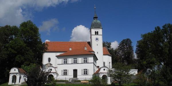 Wallfahrtskirche Mariä Himmelfahrt im Abensberger Ortsteil Allersdorf im Hopfenland Hallertau