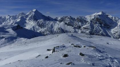 Herrlicher Blick auf Habicht und Kirchdachspitze.