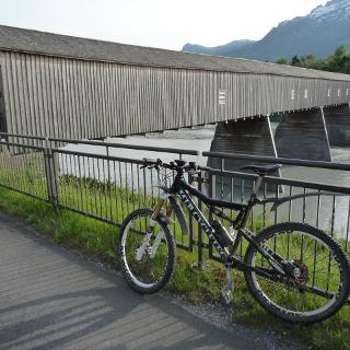 00 Brücke Vaduz über den Rhein