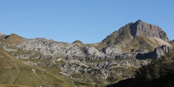 Rückblick zur Biberacher Hütte unter der Hochkünzelspitze