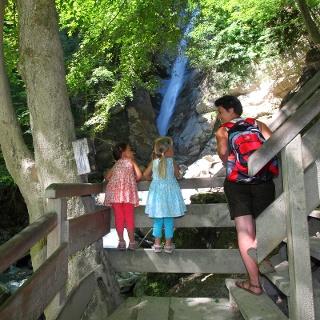 Der neu errichteter Wasserfallsteig mit knapp 355 Stufen