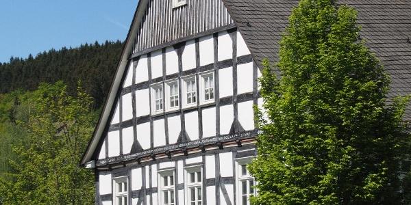 Pfarrhaus in der Ortsmitte Oberkirchens
