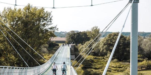 """""""Brücke der Freiheit"""" zwischen Devinska Nová Ves (Theben-Neudorf) und Schlosshof © Donau Niederösterreich/Steve Haider"""