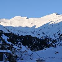 Obergurgl:  winterlicher Blick auf den morgendlichen Schalfkogel