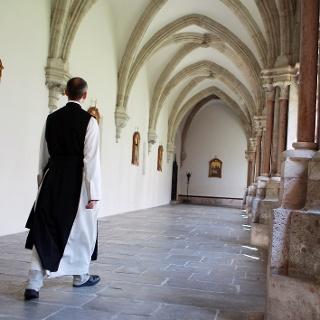 Pater im Stift Lilienfeld (Copyright: weinfranz.at)