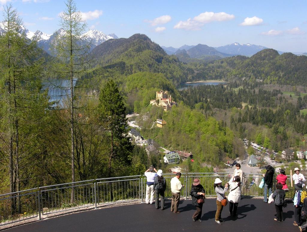 Hohenschwangau vom Weg zur Marienbrücke (Christel Blankenstein)