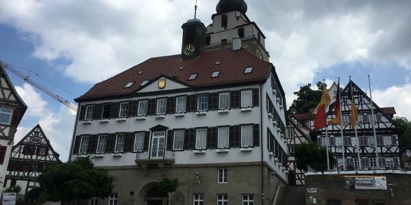 Marktplatz Herrenberg mit Rathaus