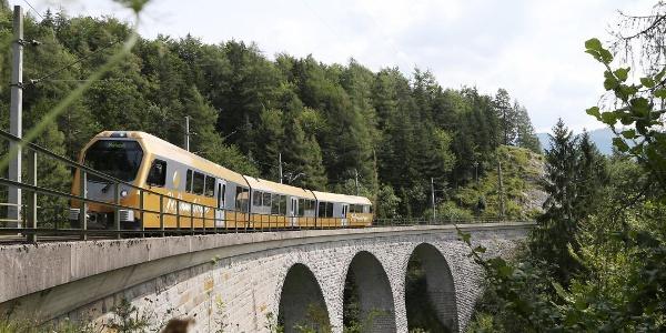Himmelstreppe auf Viadukt