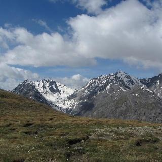 Blick vom Murter über das Val Cluozza in Richtung Piz Quattervals