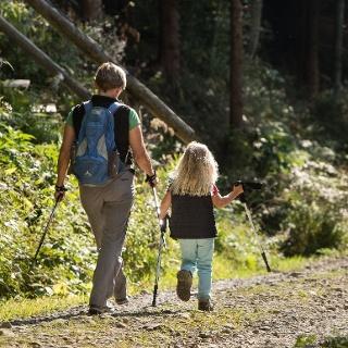 Bestens geeignet für eine kurze Familientour: Walderlebnisweg Isny-Beuren