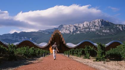 Die Weinkellerei Ysios in Laguardia