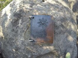 Foto Gedenkbuch für verstorbene Bergsteiger am Gipfel der Hohen Liebe