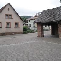 Ausgangspunkt Lindenplatz, Parkplatz und Bushaltestelle