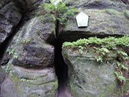 Foto Das Mundloch der 15 m langen Schwedenhöhle am Gohrisch