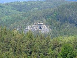 Foto Die Kleinsteinhöhle ist schon von Weitem sichtbar - hier vom großen Pohlshorn