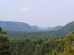 Foto Blick vom Arnstein zu den Affensteinen und zu den Schrammsteinen (Hintergrund)
