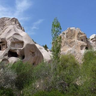Wohnhhöhlen in den Tuffkegeln