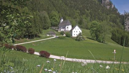 Pfarrkirche Johnsbach mit Bergsteigerfriedhof