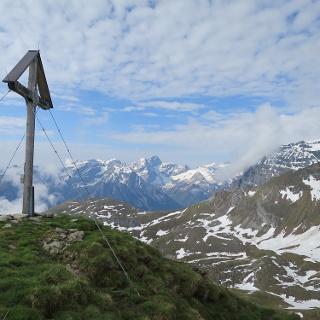 Der Gipfel im Hintergrund die Tribulaune.