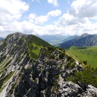 Blick vom Gipfel des Iseler auf die Kühgundgruppe