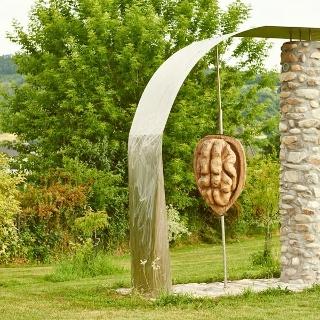 Nussskulptur in Krummnussbaum