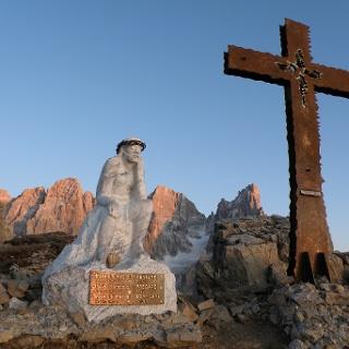 Cristo Pensante al tramonto