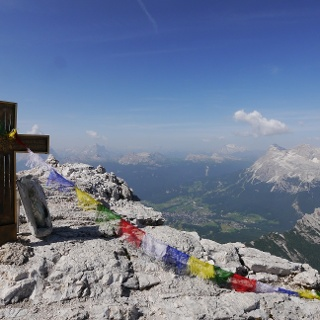 Gipfelkreuz auf der Cima di Mezzo