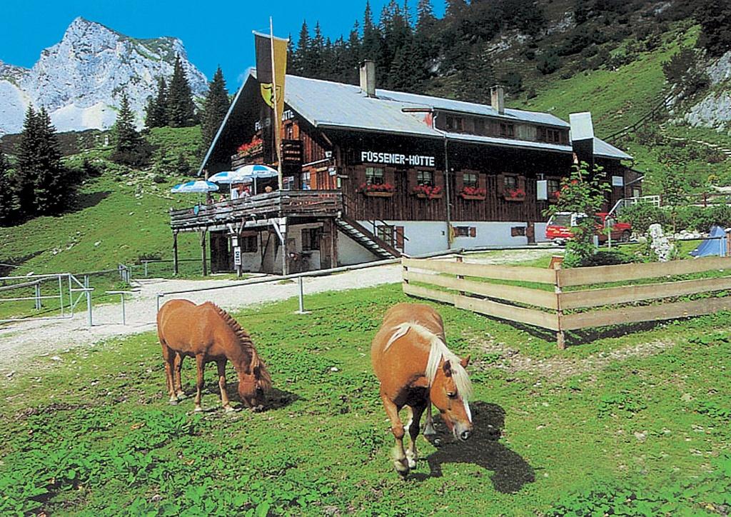 Füssener Hütte  - @ Autor: Michael Keller  - © Quelle: Tourismusverband Tannheimer Tal