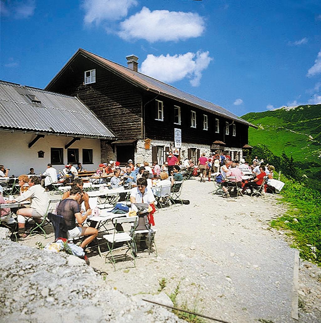 Landsberger Hütte  - @ Autor: Michael Keller  - © Quelle: Tourismusverband Tannheimer Tal