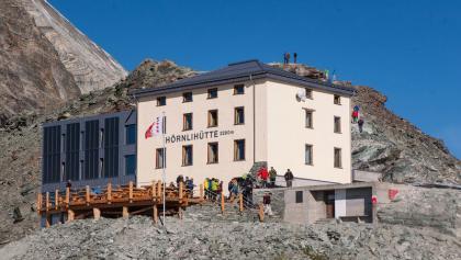 Die Hörnlihütte ist der Ausgangspunkt für die Besteigung des Matterhorns über den Hörnli- und Zmuttgrat oder die Nordwand.