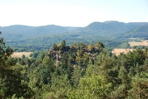 Blickauf den Retschelfelsen vom Eisenbahnfelsen (Foto: Jacques Noll, Quelle: Jacques Noll)