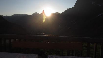 Sonnenaufgang auf der Darmstädter Hütte