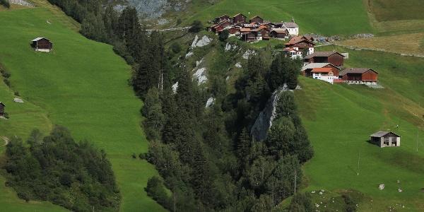 Mutschnengia von der anderen Talseite aus gesehen