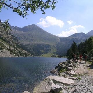 Der Llong See im Nationalpark Aigüestortes
