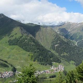 Blick auf Samnaun-Laret und Samnaun-Compatsch