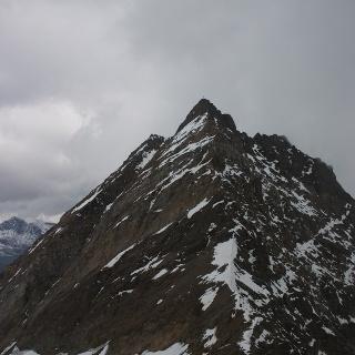 Gipfelaufbau des Hochfirst vom Gaisbergjoch aus gesehen.