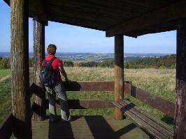 Blick vom Knebelsrod (Foto: Armin Feulner, Quelle: Marburg Stadt und Land Tourismus)