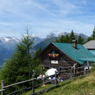 Die Hühnerspielhütte - wunderschöne Lage und hervorragendes Essen.