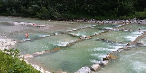 Im Sommer laden die Fischaufstiegshilfen zum Baden ein!