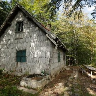 Mountain hut Tise